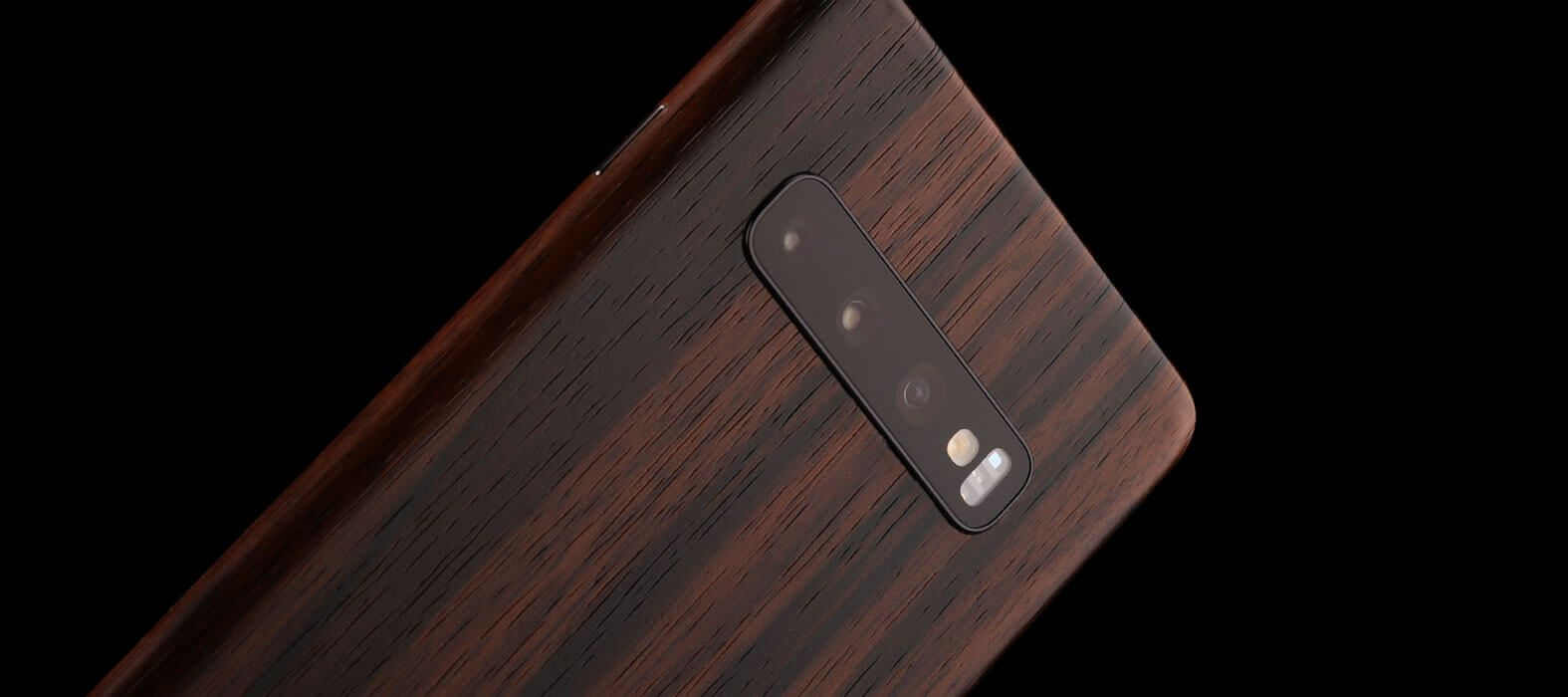 galaxy-S10-plus-ebony-wood-skins